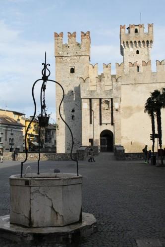 Sirmione - Castello e pozzo
