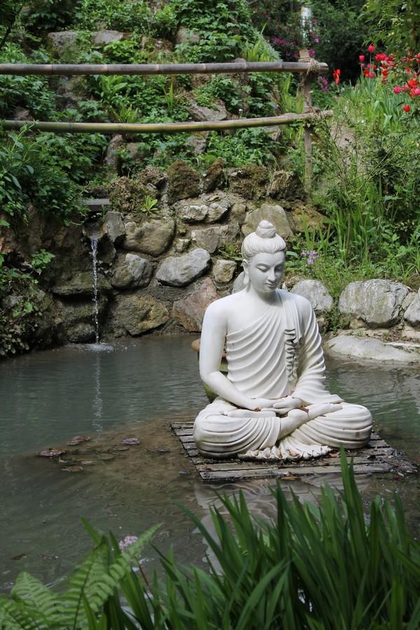 Giardino Zen Lago Di Garda : Heller garden gardone giardino sul lago di garda