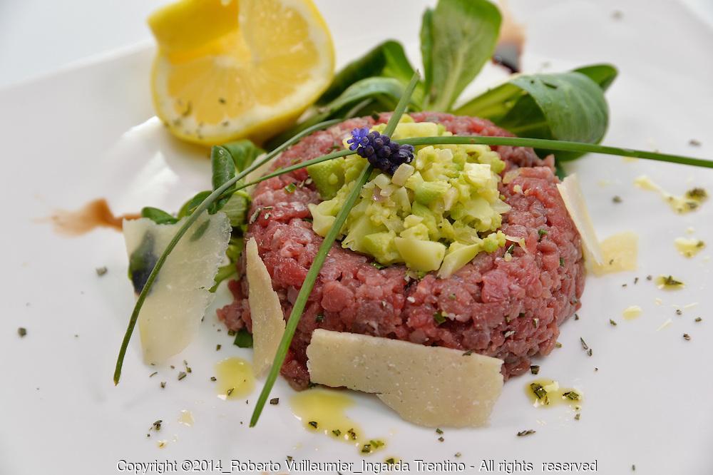 Tartare di carne salada