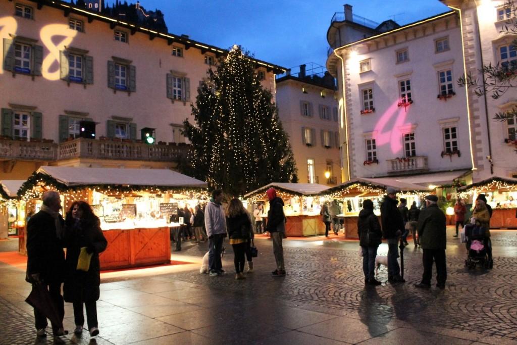 Mercatino Natale Arco luci