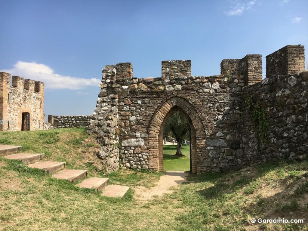 castello di lonato interno