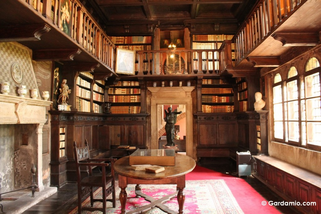 biblioteca fondazione da como